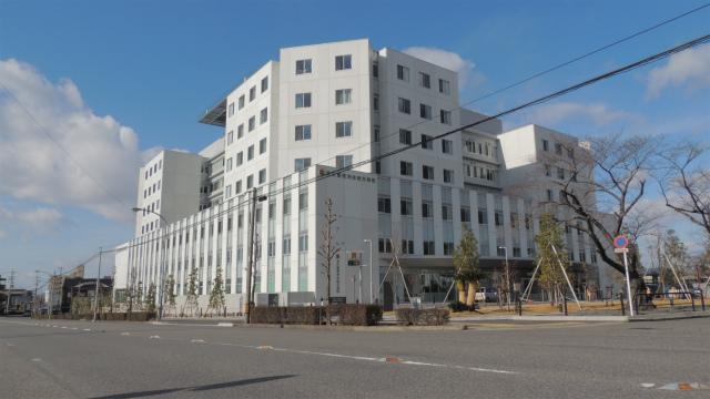 高蔵寺駅の北口にある名古屋徳洲会総合病院