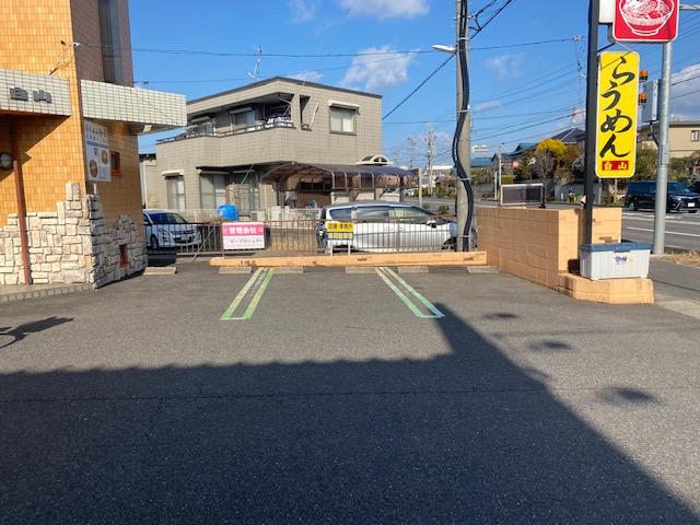 アーバンウェーブ白山 駐車場の線引きをしてきました。